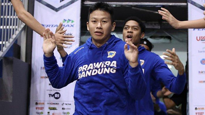 Raymond Shariputra pebasket tim Prawira Bandung awalnya kecewa IBL ditunda tapi akhirnya bisa memahaminya