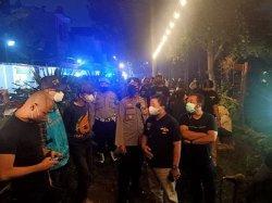 Petugas Gabungan Tegur Pengelola Cafe dan Tempat Makan di Pamulang karena Pelanggaran Prokes