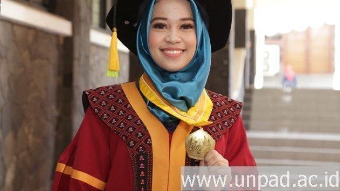 Mahasiswi Cantik Universitas Padjajaran (Unpad) Raih IPK 4.0 dengan Skripsi #2019GantiPresiden