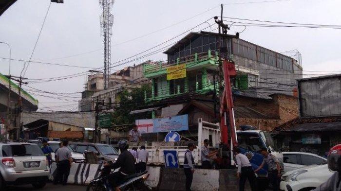 Jadi Simpul Kemacetan,  Simpang Ciledug Raya Direkayasa Lalu Lintasnya