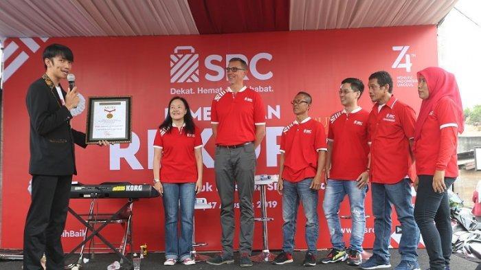 Puluhan Ribu Toko Kelontong SRC Pecahkan Rekor MURI dengan Lomba Makan Kerupuk di Lokasi Terbanyak