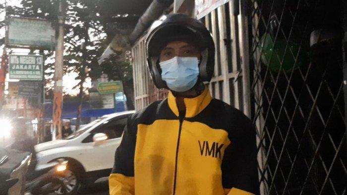 VIDEO : Relawan Visi Maha Karya Membagi Kotak Makanan untuk Warga yang Membutuhkan