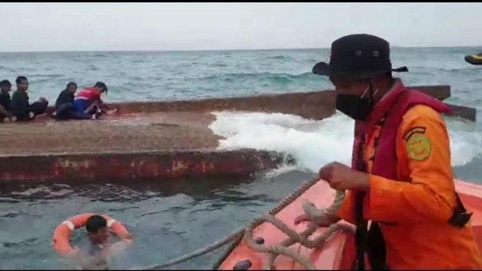 Dugaan Penyebab Terbaliknya KM Elang Laut di Kepulauan Seribu