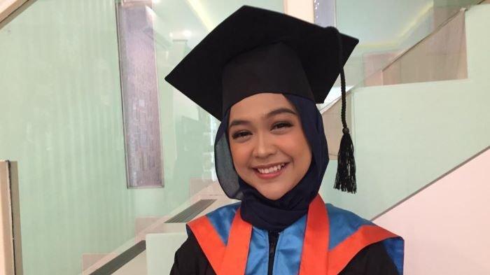 Raih Gelar Sarjana Setelah 7 Tahun Kuliah, Ria Ricis: Kerja Sambil Kuliah Itu Tidak Gampang
