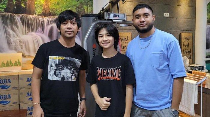 Rian D'Masiv Produseri Penyanyi Muda untuk Proyek Original Soundtrack Film Musyrik