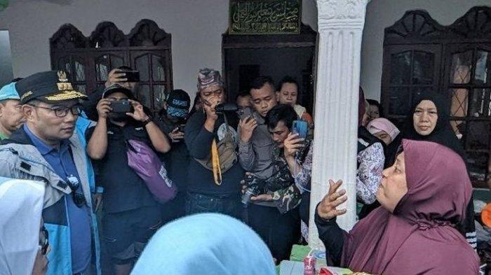 Tinjau Korban Banjir di Villa Nusa Indah,  Ridwan Kamil Malah Diceramahi Ibu-Ibu Korban Banjir