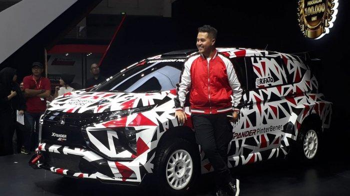 Rifat Sungkar Tes Mobil Reli Mitsubishi Xpander AP4 di Meikarta