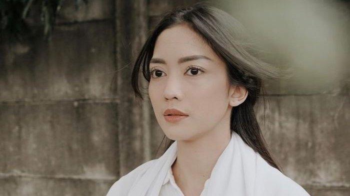 Belum terungkap alasan Aldi Bragi dan Ririn Dwi Ariyanti saling mengajukan gugatan cerai setelah 11 tahun menikah. Ririn Dwi Ariyanti digugat cerai Reinaldi Hutomo yang populer disapa Aldi Bragi ke Pengadilan Agama Jakarta Selatan, Senin (30/8/2021).