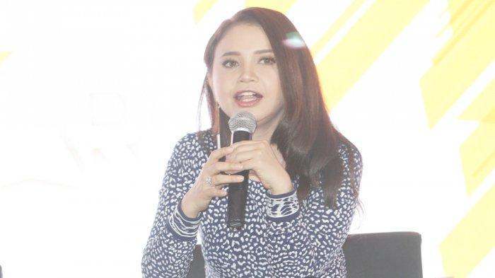 Rossa Ingin Kematian Sulli Jadi Pelajaran untuk Netizen Jahat di Indonesia