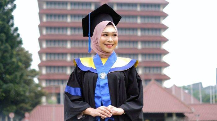 Risya Cahya Fadhila Mpok Depok 2019 adalah sarjana lulusan dari Fakultas Teknik Universitas Indonesia dari jurusan Teknik Metalurgi dan Material