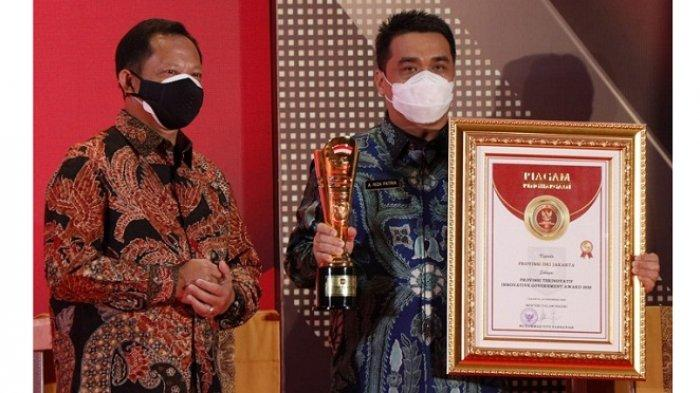Berkali-kali Berikan Penghargaan, Tito Karnavian Dinilai Relawan Jokowi Cari Perhatian Anies