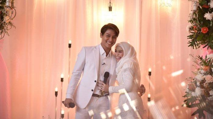 Rizky Billar dan Lesti Kejora menutup Cinta Abadi Leslar dengan menggelar pesta pernikahan di Hajatan Sukses Leslar yang disiarkan ANTV sepanjang Minggu (5/9/2021). Rizky Billar dan Lesti Kejora menikah pada 19 Agustus 2021.