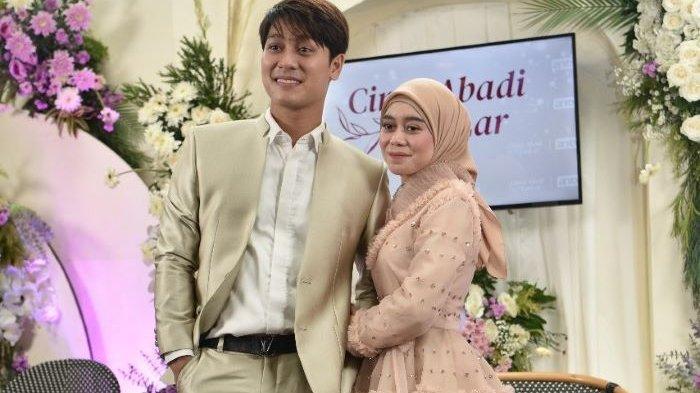 Pasangan selebritas Lesti Kejora dan Rizky Billar disela jumpa pers Cinta Abadi Leslar ANTV di Restoran Blue Jasmine, Jalan Kyai Maja, Kebayoran Baru, Jakarta Selatan, Rabu (23/6/2021).