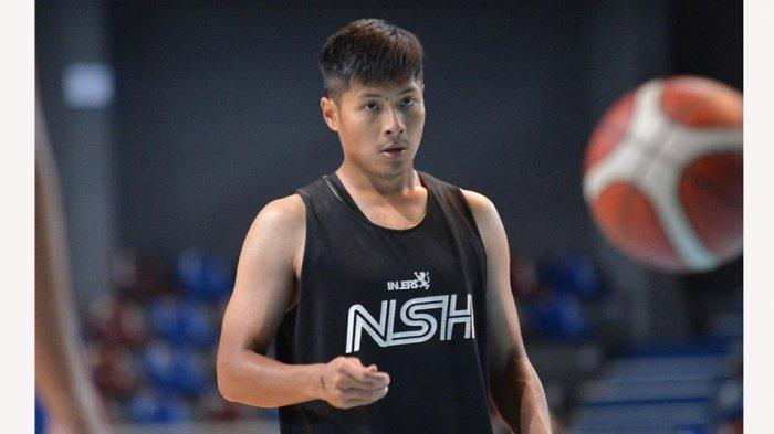 Rizky Effendi pebasket tim NSH Mountain Gold Timika memaklumi ditundanya kompetisi IBL 2021