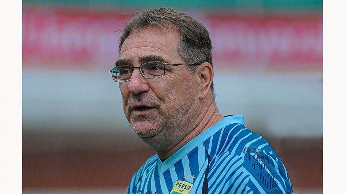 Pelatih Persib Roberts Rene Alberts sebut Kemenangan Persija Cuma Beruntung