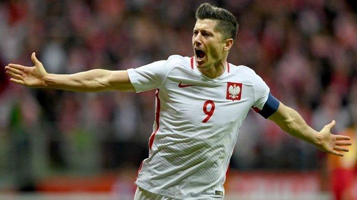 Striker Bayern Muenchen Lewandowski Dipepet Timo Werner
