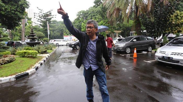 Rocky Gerung Sebut Jokowi Aktor Intelektual Banyaknya Jenderal Polisi Daftar Jadi Calon Pimpinan KPK