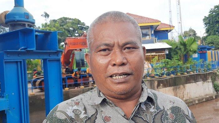 50 Personel dan Belasan Alat Operasional Disiagakan untuk Angkut Sampah dari Pintu Air Manggarai