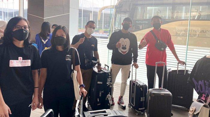 Rombongan sebelum tiba di Jakarta akan transit dua jam di Bandara Changi Singapura