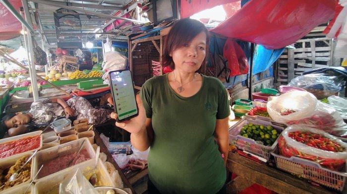 VIDEO : Transaksi Online Menyelamatkan Rosita, Pedagang Pasar  Di Tengah Pandemi Covid-19