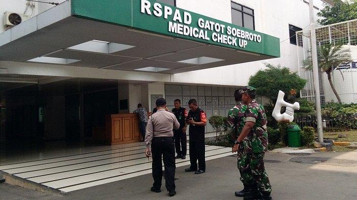 Lihat Kondisi Korban Ledakan di Monas, Kapolda Metro dan Pangdam Jaya Bungkam