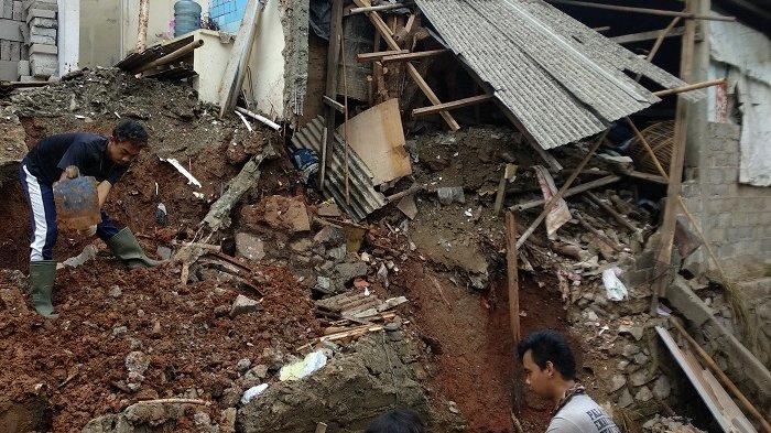 Pemilik Rumah Ambruk di Pamulang Dicari-cari Warga
