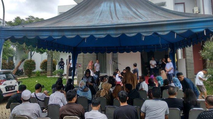Rumah Duka Sprinter Indonesia Purnomo Yudhi Mulai Ramai Dikunjungi