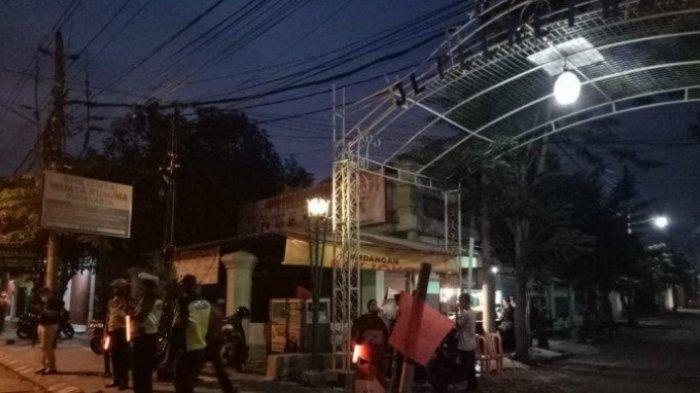 Ada Imbauan Tidak Melayat Ibunda Jokowi, Rumah Duka dan Pemakaman Dijaga Ribuan Personel