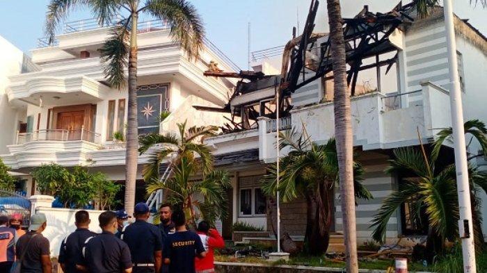 Rumah Mewah di Pantai Mutiara Terbakar Diduga Akibat Korsleting Listrik