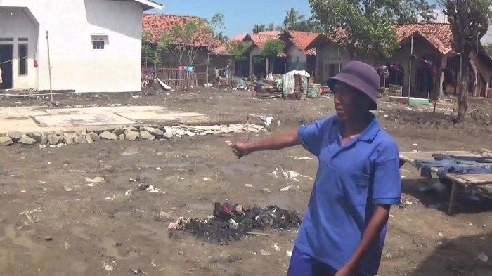 Rumah Hancur Rata Tanah Warga Pebayuran Korban Tanggul Jebol Sudah 1 Bulan Menumpang di Tetangga