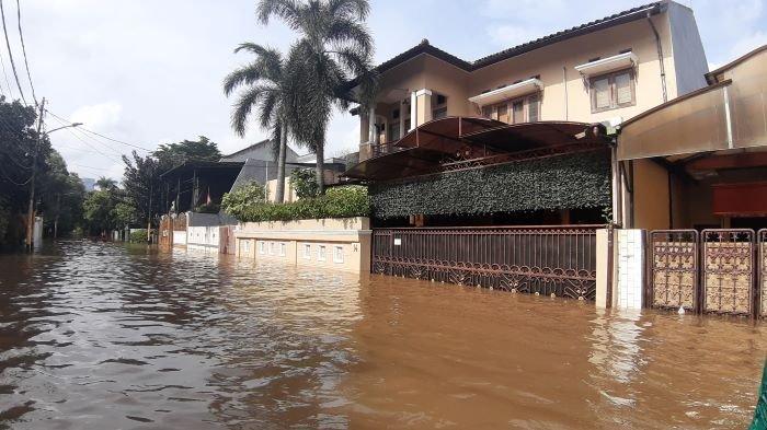 Rumah Raja Dangdut Rhoma Irama berada di Jalan Pondok Djaya VI No 14, Mampang Prapatan, Jakarta Selatan, ikut kebanjiran seperti saat didatangi Sabtu (20/2/2021).