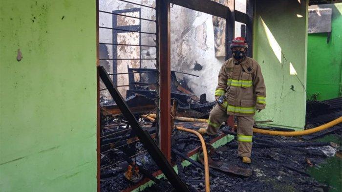 VIDEO : Rumah Terbakar di Tanah Abang, Warga Tak Sempat Selamatkan Surat Berharga