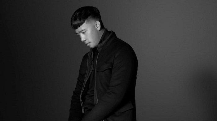 Ruri Wantogia  merilis lagu berjudul Selalu Salah