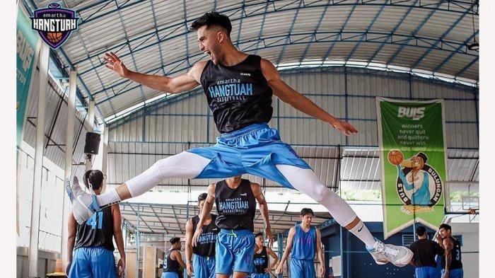 Sabda Ahessa pebasket muda yang baru direkrut klub Amartha Hangtuah untuk kompetisi IBL 2021 ini