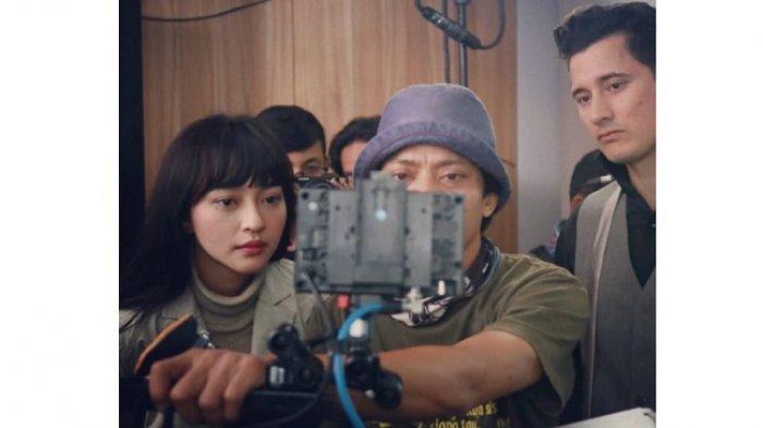 Film Apa Ada Cinta 2045? akan tayang di bioskop Indonesia 24 Juni 2021. Film ini bertema tentang masa depan teknologi Indonesia pada 25 tahun mendatang yang dibalut cerita romance.