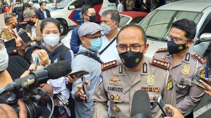 Polisi Pastikan Pengemudi Porsche yang Terobos Jalur Transjakarta, adalah Perempuan dan Ditilang