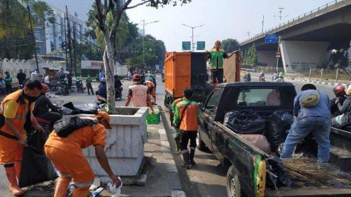 Aksi Unjuk Rasa Pelajar SMK di DPR Usai, Dinas LH DKI Kumpulkan 14,5 Ton Sampah
