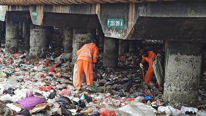 Politisi PSI August Hamonangan Nilai Pemprov DKI Tak Serius Kelola Sampah Warga Jakarta
