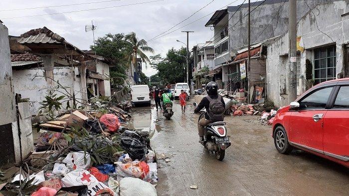 Pemkot Bekasi Targetkan Selesai 2 Hari Mendatang, Proses Pembersihan Lumpur dan Sampah Sisa Banjir