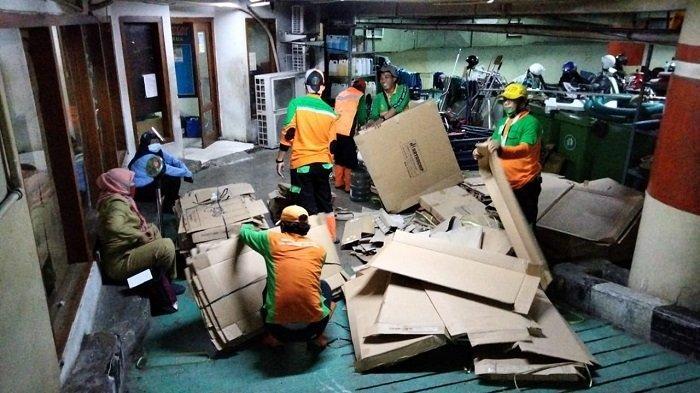 Daur Ulang Sampah, Kecamatan Gambir Pisahkan 3 Ton Sampah yang Bernilai Ekonomis Setiap Harinya