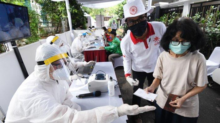 Sandiaga Uno dan Relawan Indonesia Bersatu Gelar Rapid dan PCR Test Covid-19 Massal di Joharbaru