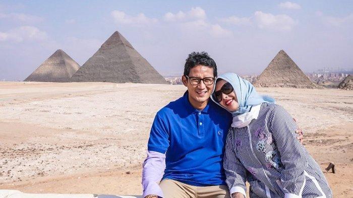 Sandiaga Salahuddin Uno bersama istri, Nur Asia, mengunjungi salah satu situs tertua di dunia, Piramida, di Mesir.