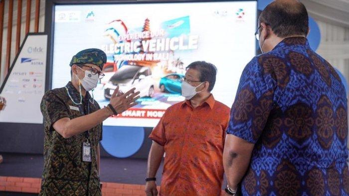 Wujudkan Pariwisata Ramah Lingkungan, Sandiaga Uno Gandeng Toyota Hadirkan Mobil Listrik di Bali