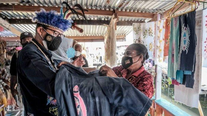 Jawab Harapan Mamah Hani, Sandiaga Uno Sebut Kearifan Lokal Mampu Bangkitkan Ekonomi di Tanah Papua