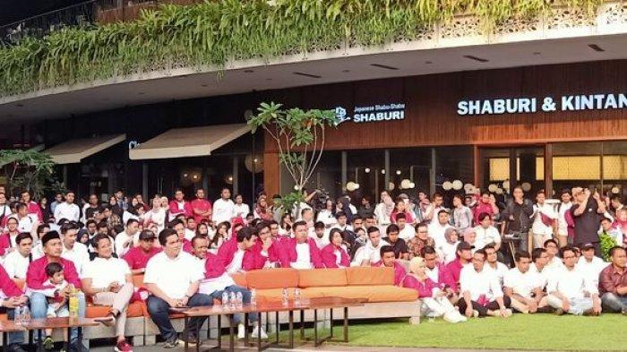 Jokowi Makan Siang dengan Prabowo, Sandi Nongkrong Bareng Erick Tohir di Lippo Kemang