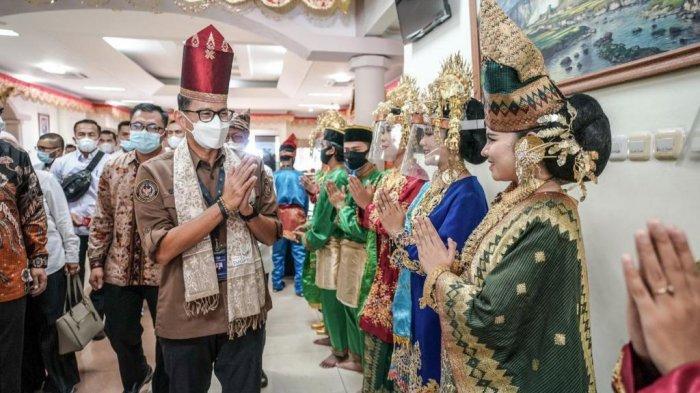 Bangkitkan Kuliner dan Pariwisata Berbasis Keindahan Alam, Sandiaga Uno Keliling Sumatera Barat