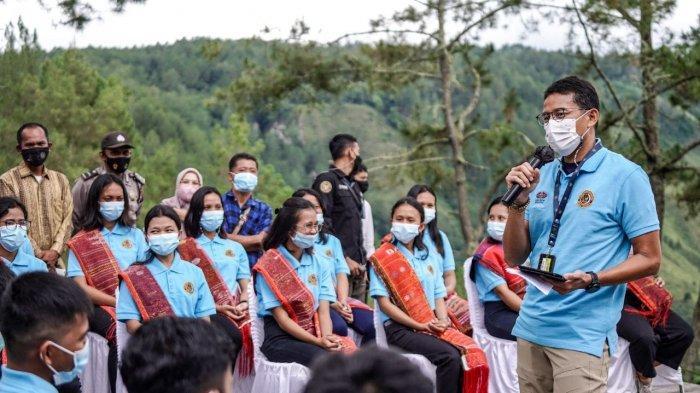 Bangun Desa Wisata Danau Toba, Sandiaga Uno Kirim Siswa Berprestasi Magang di Poltekpar Bali