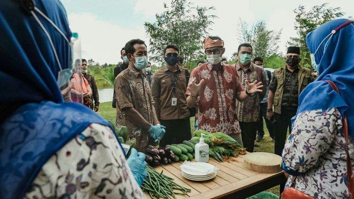 Buka Lapangan Kerja Lewat Kearifan Lokal, Sandi Dukung Penuh Pengembangan Desa Wisata Ekang Angculai