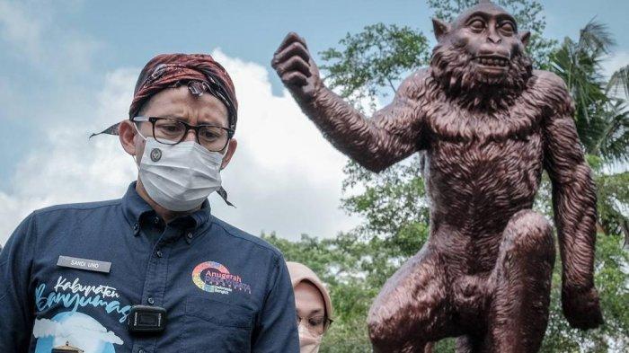 Hidup Harmonis dengan Ratusan Kera, Sandiaga Uno Sandingkan Desa Cikakak Dengan Desa Sangeh di Bali