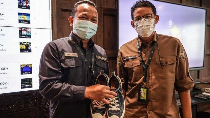 Pegawai Protokolernya Tidak Bisa Mudik Lebaran, Sandiaga Uno Hadiahkan Sepatu Epic Kesayangannya